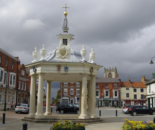 Saturday Market Cross